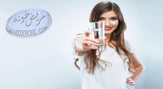 همه ی مزاج ها نباید در طول روز 8 لیوان آب بنوشند -مضرات مصرف نوشیدنیها در طب سنتی-سید مهدی غضنفری متخصص فیزیولوژی و مدیر طب سنتی-سرد مزاجان